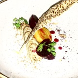 Blue cheese with beetroot and honey